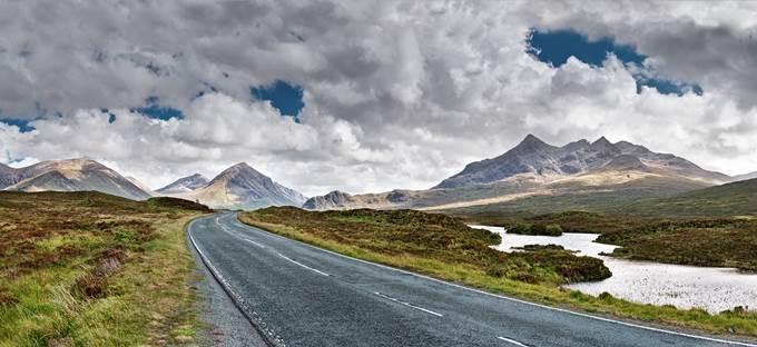 Isle_Of_Skye_A863_The_Cuillins.jpg